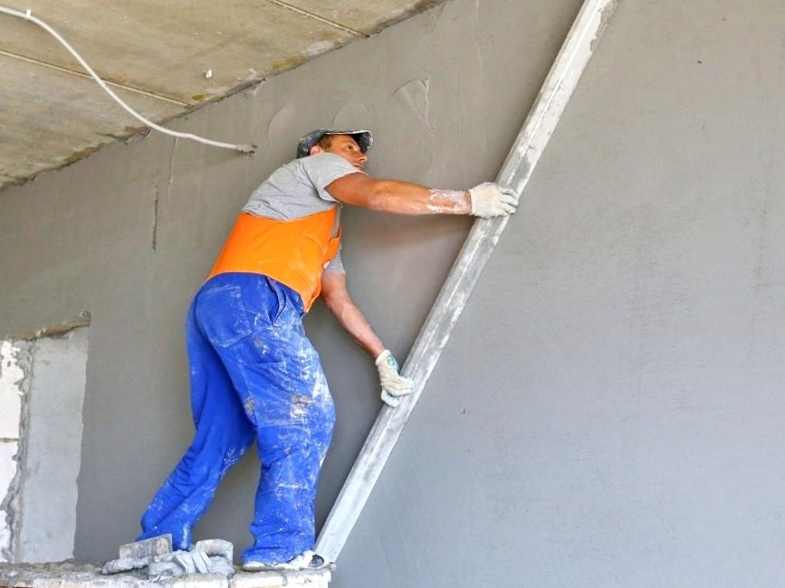 Выравнивание стен, что дешевле - гипсокартон или штукатурка