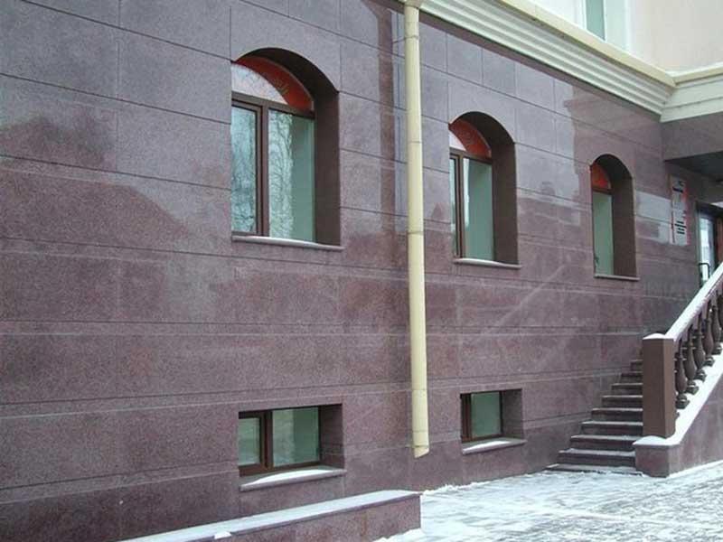 Оникс и керамогранит в отделке фасадов