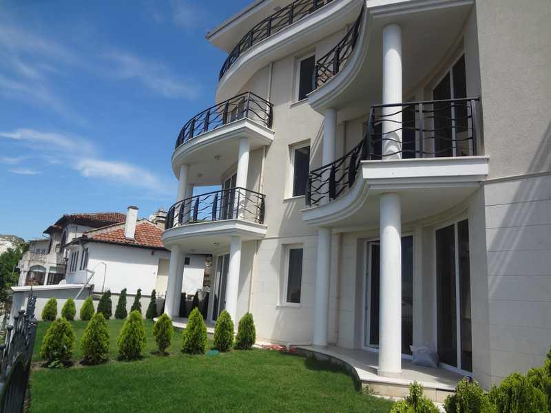 Покупать ли квартиру в Болгарии?