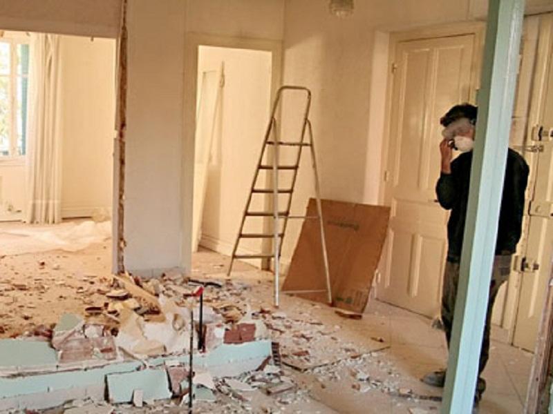 Перепланировка квартир проходит проще и быстрее для жителей первого и последнего этажей