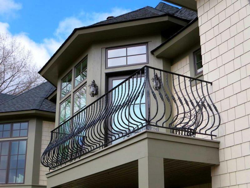 Какие балюстрады для балкона выбрать?